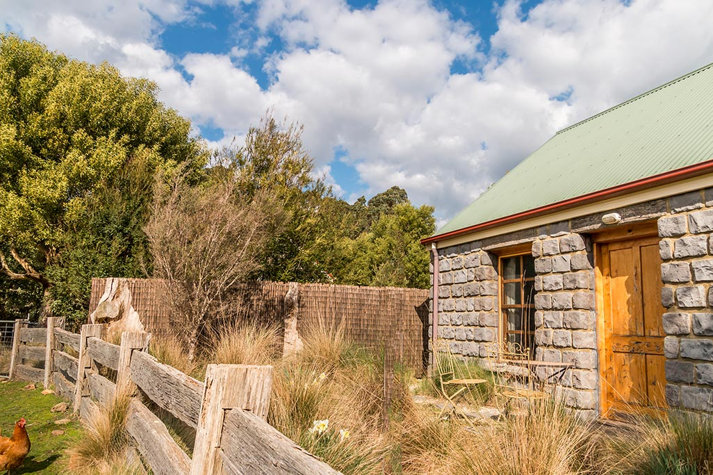 External view of Ah Back studio cottage at Tin Dragon Cotages in Tasmania